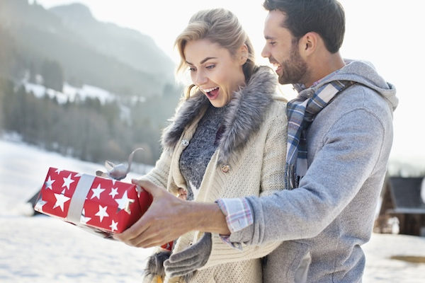 romantic gifts for her couple